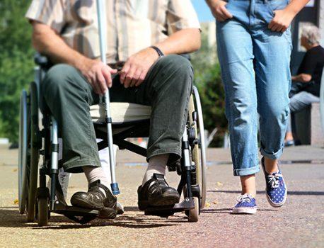 障害受容が困難で、抑うつ状態を呈する利用者とその主介護者を含めたケアプラン